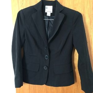 Kenzie Women's Blazer Black Three Buttons Size 2
